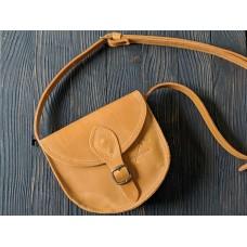 Жіноча сумка сідло з натуральної шкіри крейзі хорс з магнітом wb_002_camel